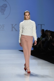 Select Runway - House of Knot